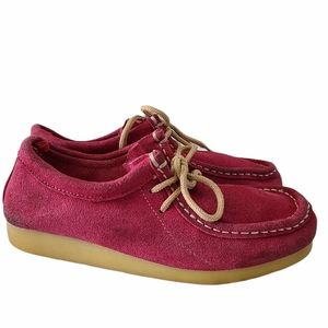 Old Navy fuchsia wallabee shoes, size 4